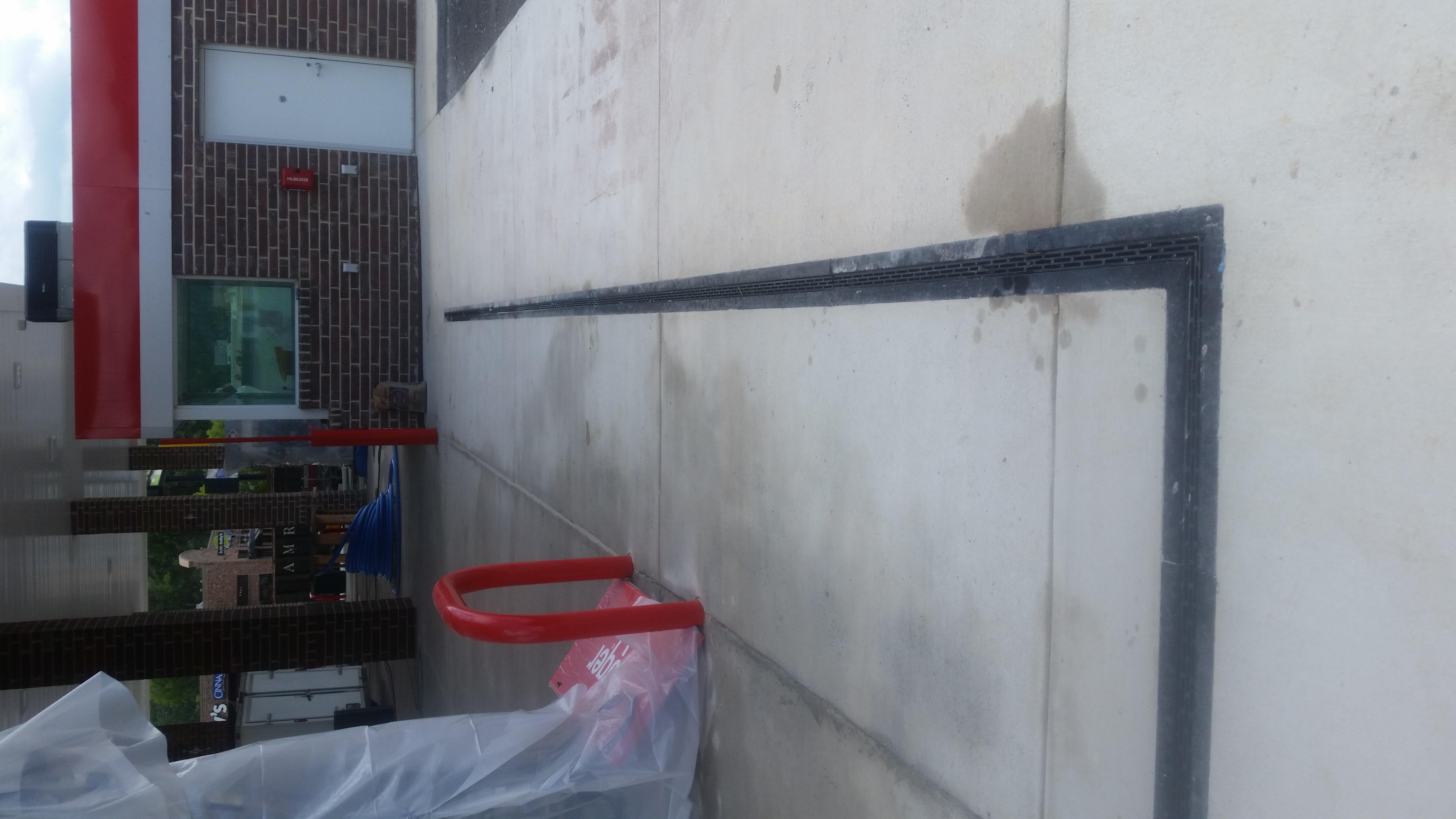 Heel proof slot drain
