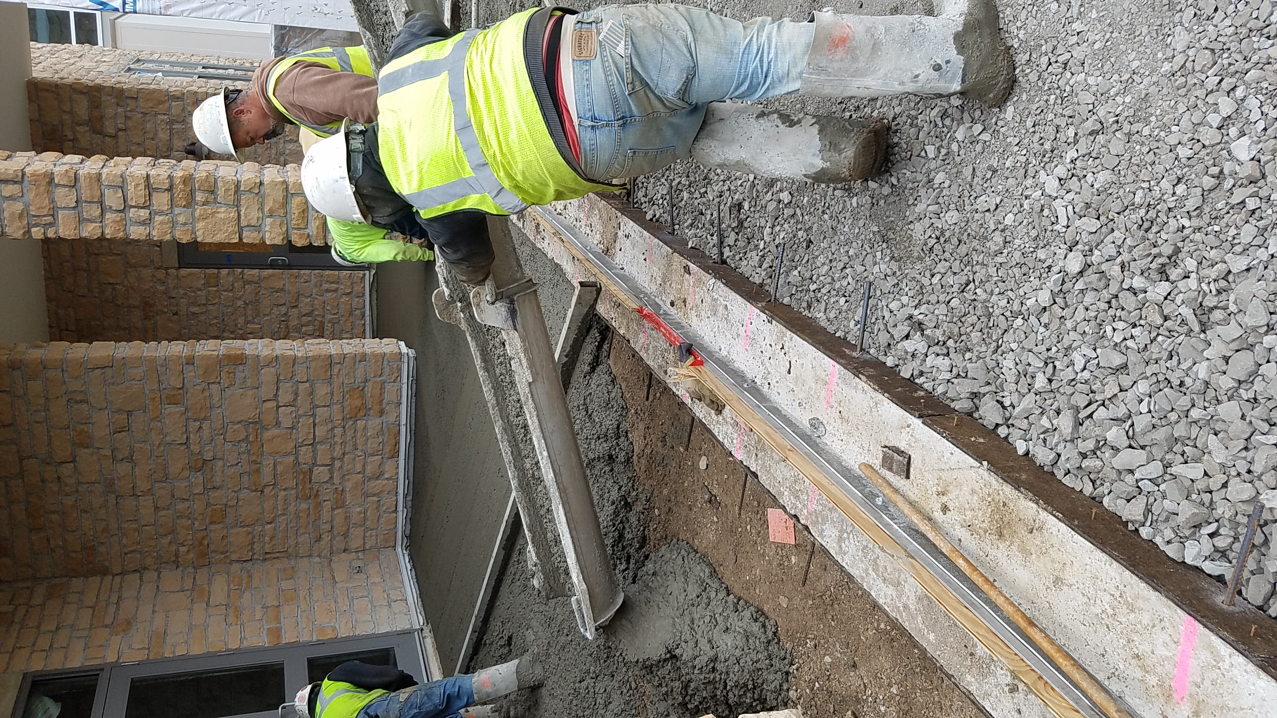 Narrow reveal slot drain