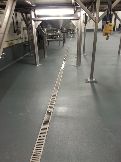Heavy duty stainless steel trench drains