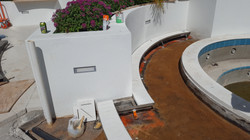 Curved pool trench drain