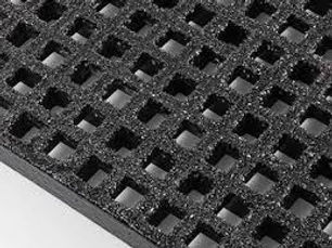 slip resistant grit on trench drain grate