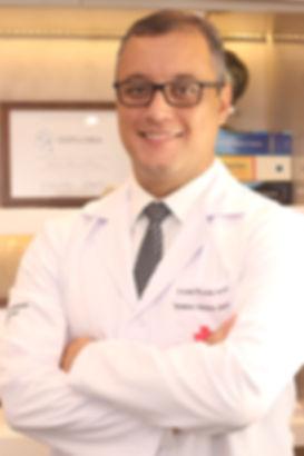 Dr. André Inácio - Ortopedia e Cirurgia do Joeho em Curitiba