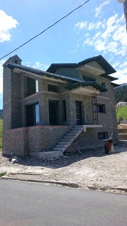Διώροφη κατοικία στη Σαμαρίνα Γρεβενών