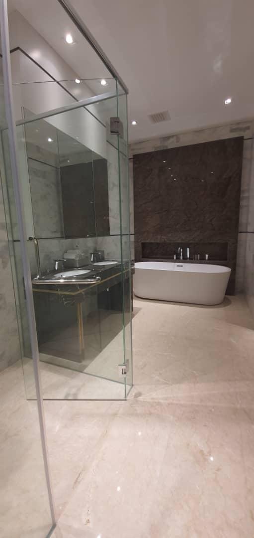 Platinum- Face- II- Bathroom