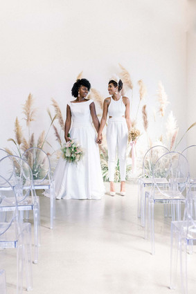 Charming-wedding-inspiration-with-pampas-grass-and-lush-florals-Amanda-Dyell-Equally-Wed.j