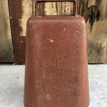 """BRONZE COW BELL  What's a rustic/country wedding without a cowbell?  Our bronze cowbell is perfect for the occasion.  Dimensions: 3.5"""" x 7""""  Qty: 1"""
