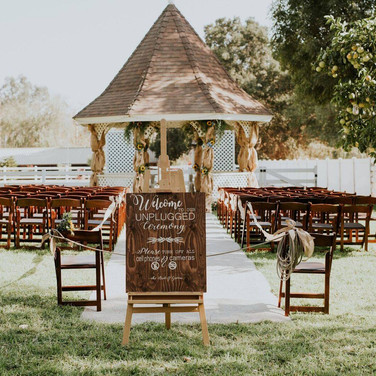 UNPLUGGED SIGN  Our Unplugged Sign is very poplar because it gently reminds your guests to keep their cameras & phones tucked away during your intimate vow exchange.  Dimensions:  Qty: 1