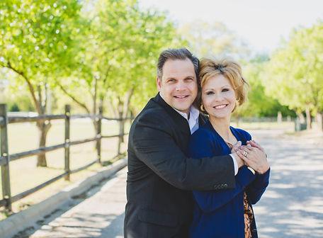 Maharty-couple-768x512.jpg