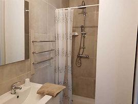gite-etape-cathare-salle-de-bain-3.jpg