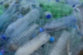 plastic-bottles-388679_1920_0.jpg