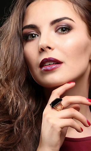 Lashes Makeup Bare Minerals Zoi'A Spa Salon Janesville WI