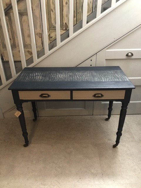 Consule / Side table / Dressing Table / Writing Desk