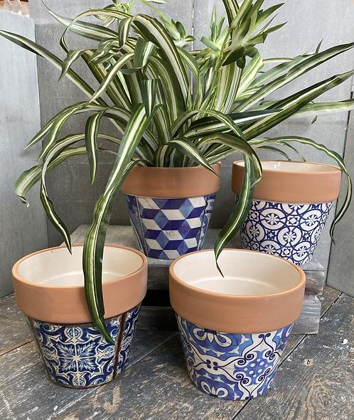 Blue & terracotta pot 14 x 12.5cm tall