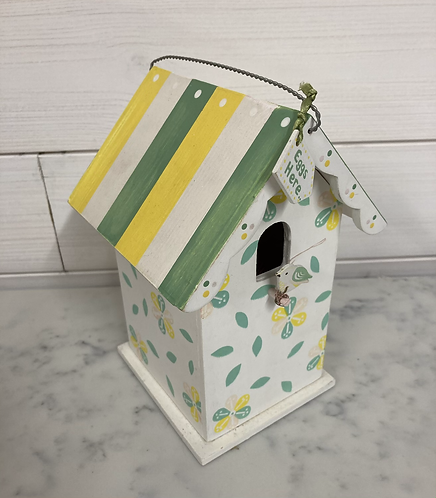 Easter bird house (great for putting mom eggs in)