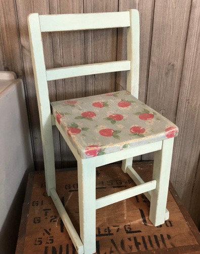 Vintage child chair