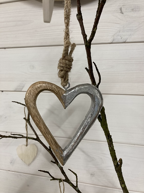 Hanging Heart Pretzel 11x9.5cm Wood and silver