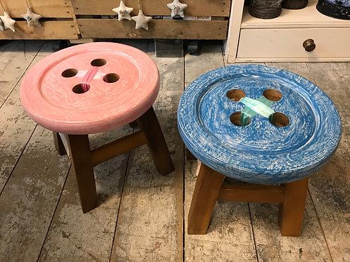 Child wooden button stool, Fairtrade acaccia wood 24cm