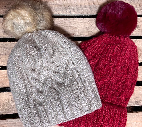 Chunky wool hat with fur bobble