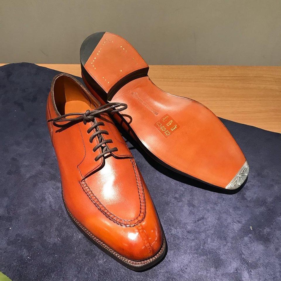 エドワードグリーンの宅配集荷靴磨きならシューシャインワークスにお任せください。