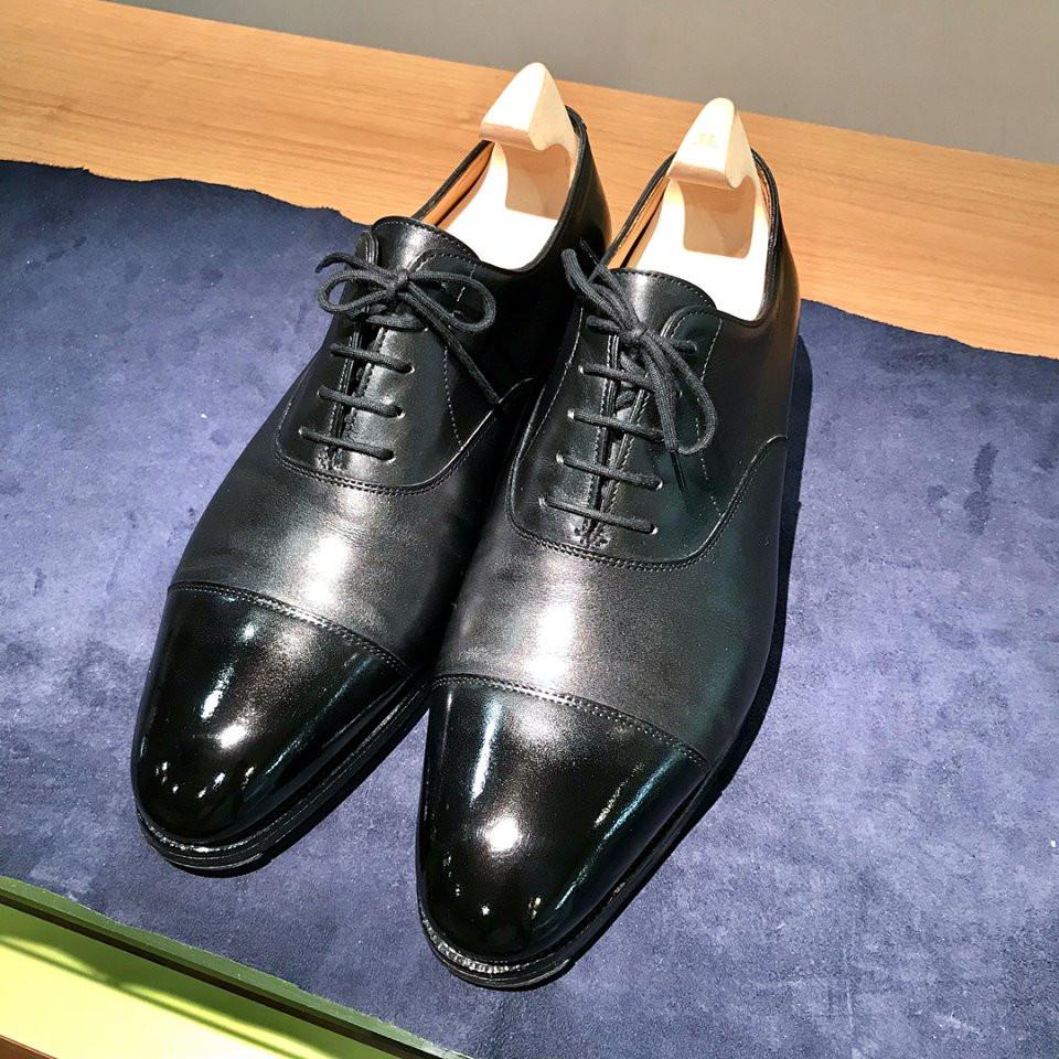 ジョンロブ 鏡面靴磨き