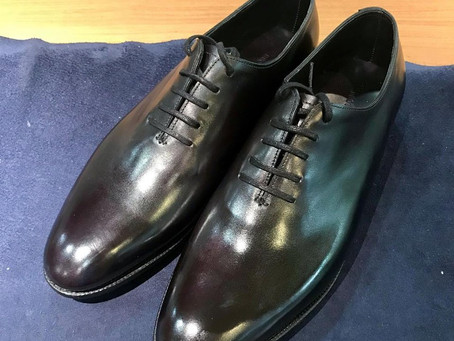 JOHN LOBBの靴磨き(Basic Shoe Shine)