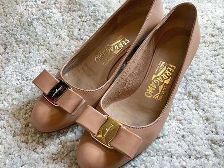 FERRAGAMO〈ヴァラ〉の靴磨き