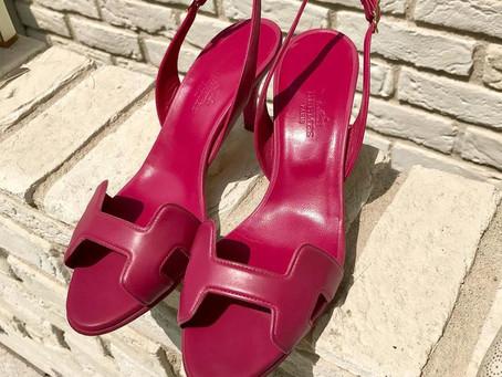 HERMÉS 夏物レザーサンダルの靴磨きとクリーニング