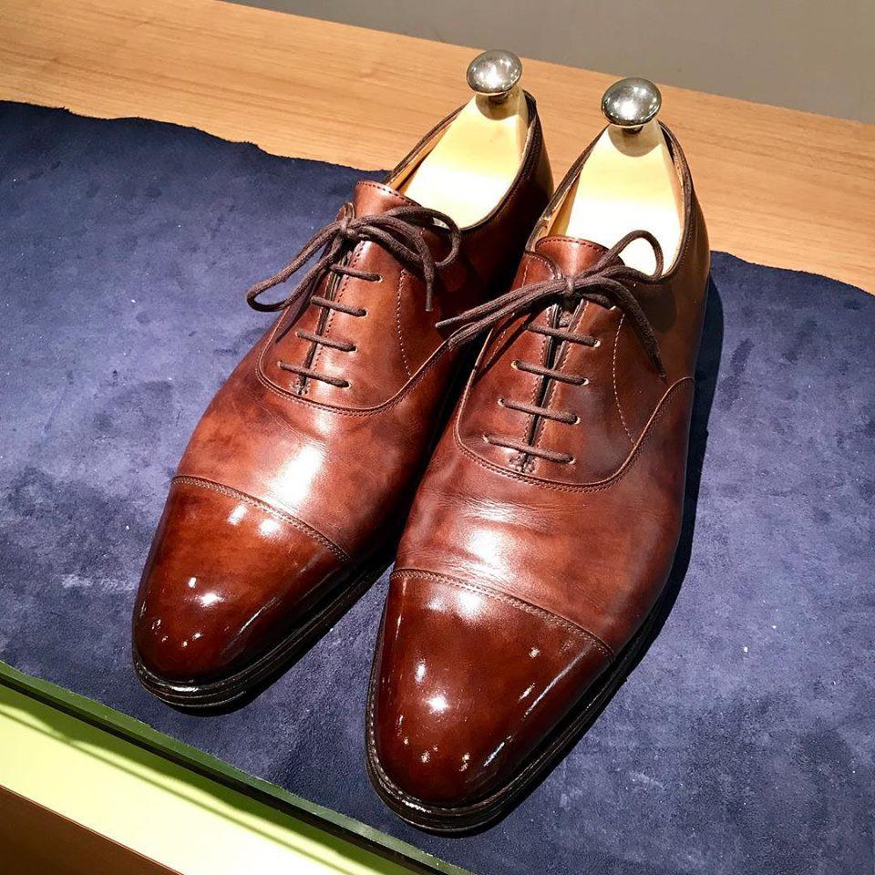 全国往復送料無料のジョンロブ宅配靴磨きとクリーニング