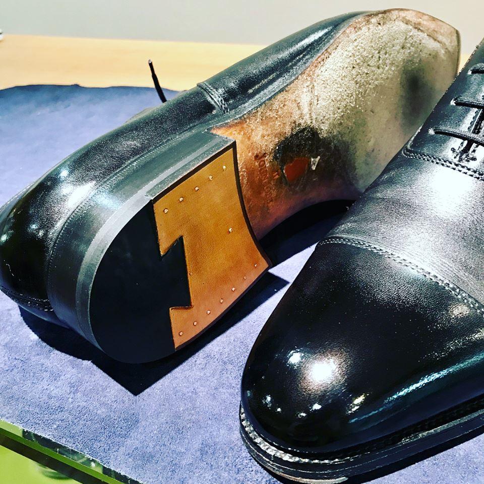 ジョンロブ かかと靴修理