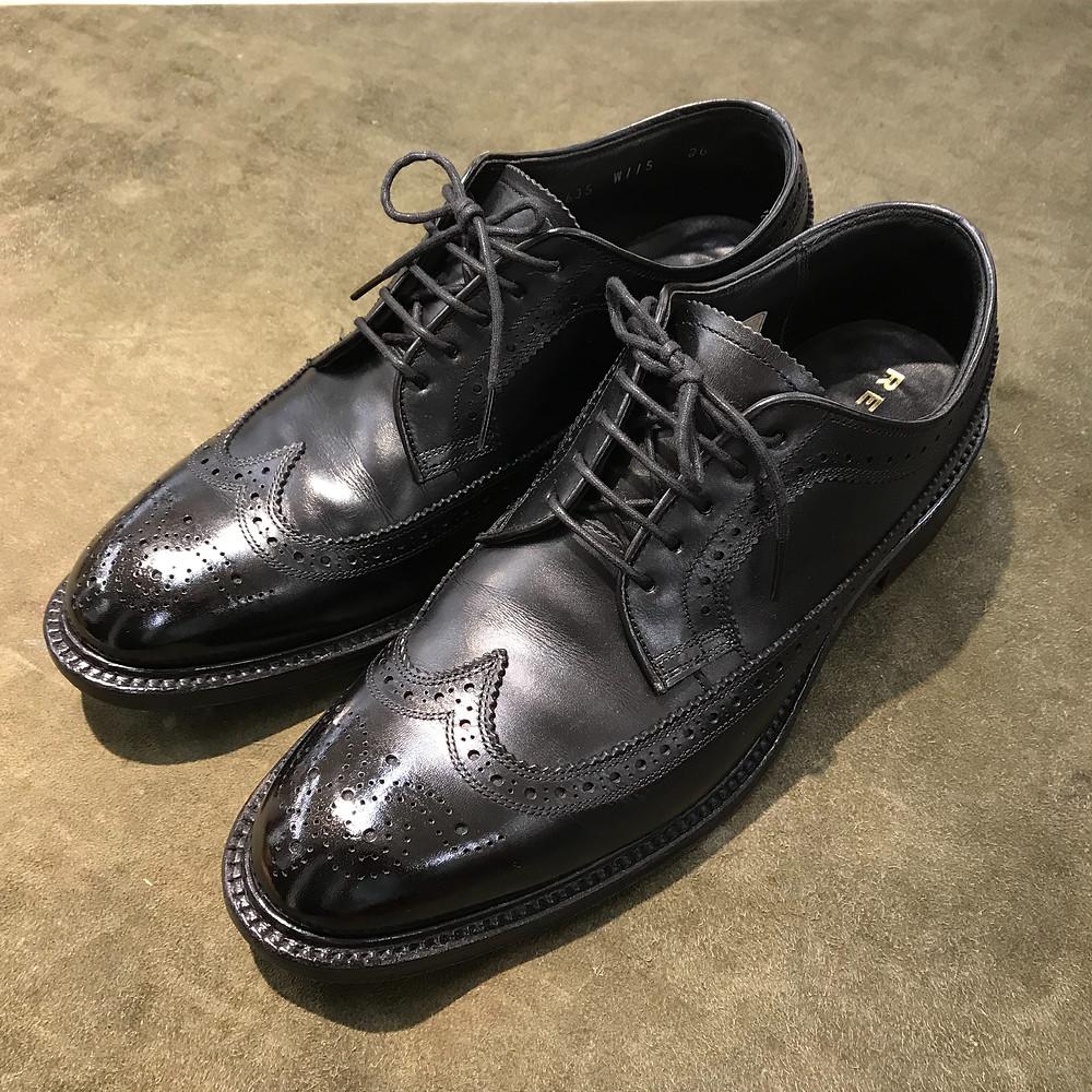 リーガルの宅配集荷靴磨きならシューシャインワークスにお任せください。
