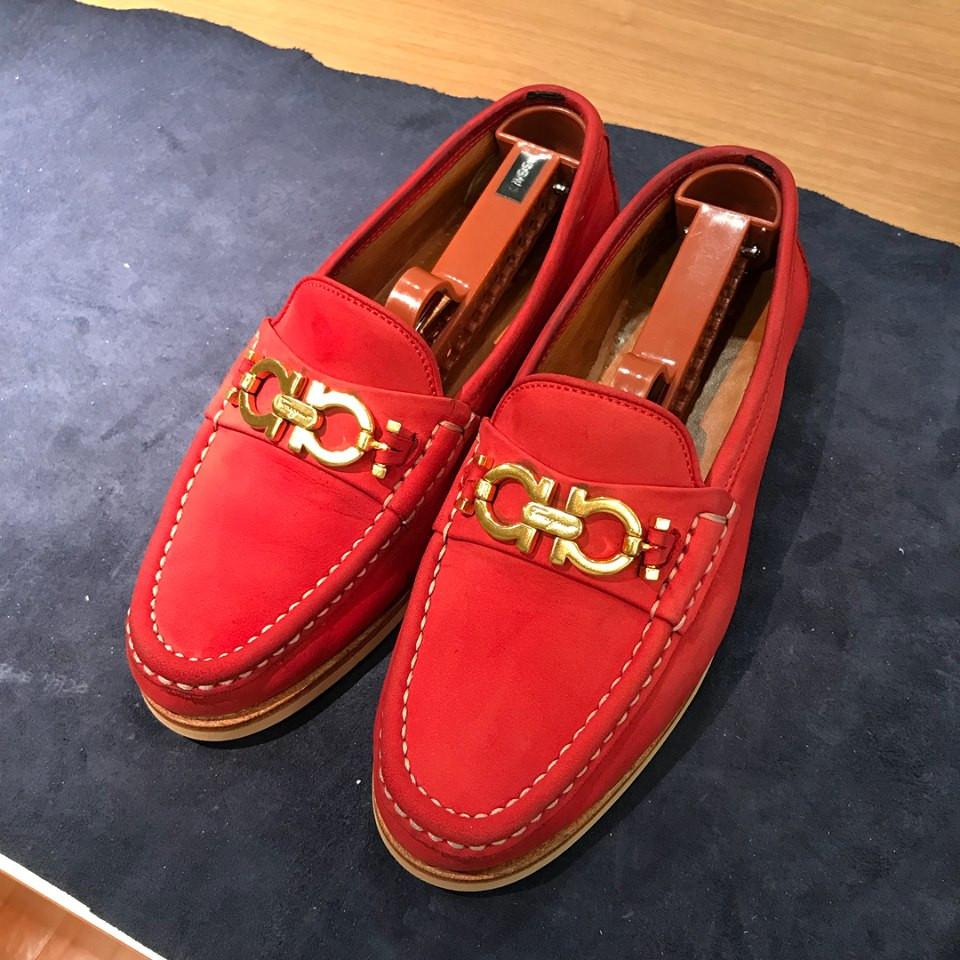 フェラガモ 靴 スエード クリーニング