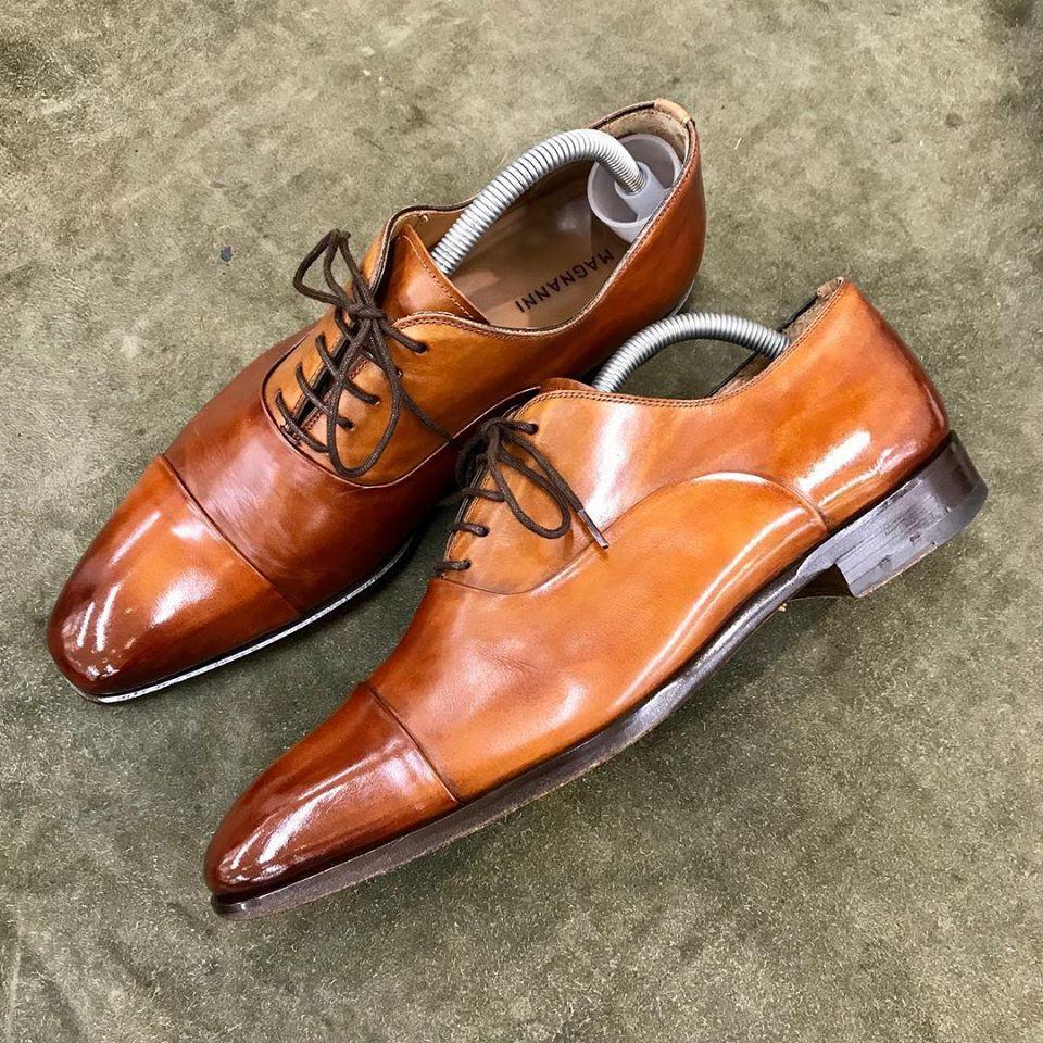 マグナーニの宅配集荷靴磨きならシューシャインワークスにお任せください。