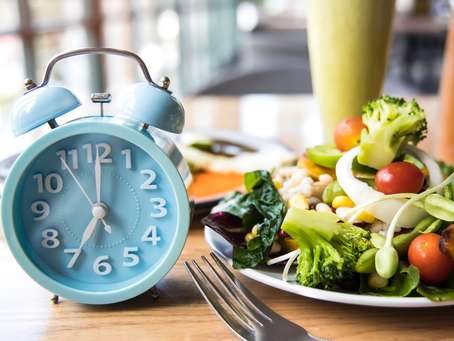 What is Intermittent Fasting and Should I Be Doing It?