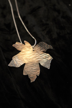 Large Silver Maple Leaf pendant