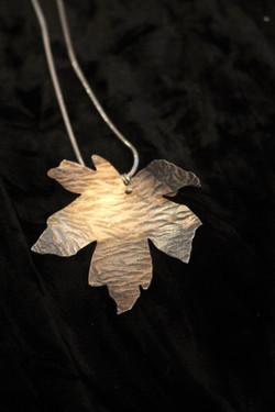 Silvershine large maple pendant