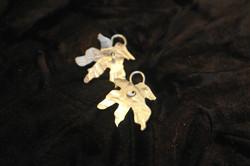 Small silver maple leaf earrings