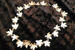 Silvershine mini-maple leaf necklace