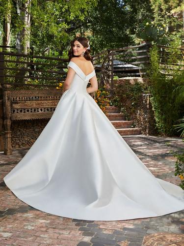 RI wedding dress shops, bridal shops in ri, wedding dress shops in RI, fit and flare wedding dress, classic wedding dress
