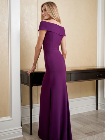 Purple fitted mother of the groom dress