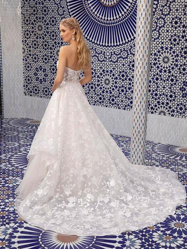 RI wedding dress shops, bridal shops in ri, wedding dress shops in RI, sparkly ball gown