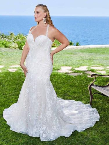 CT Bridal Shop, Bridal Shops in CT, CT wedding dresses, connecticut wedding dress, plus sized wedding dress. RI Bridal Shop