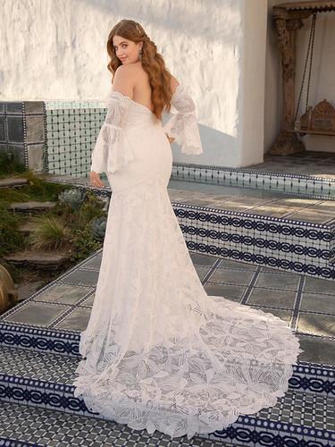 RI wedding dress shops, bridal shops in ri, wedding dress shops in RI, fit and flare wedding dress, plus size wedding dress