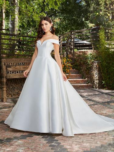 CT Bridal Shops, Bridal Shops in CT, ct wedding dresses, connecticut wedding dress, classic ballgown, meghan markle wedding dress