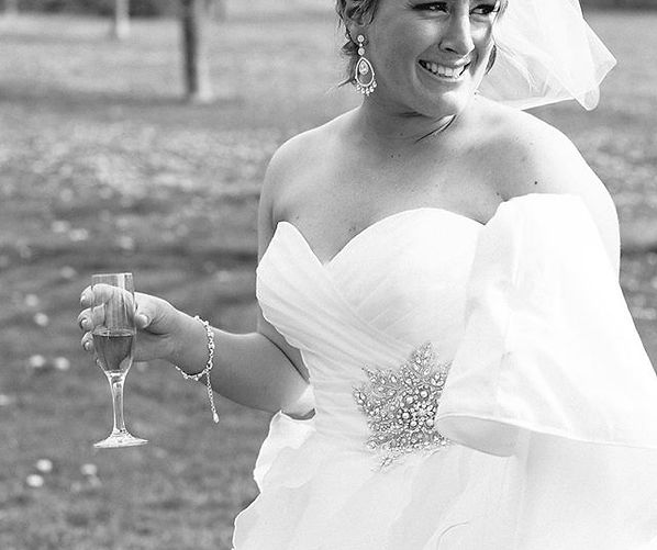 Connecticut bride with sweetheart gown weddig dress