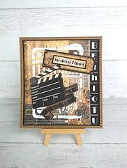 tag,scrap,album,photos,carte,pochoir,pâte texture,modeling past,breloques,ampoules,rouages,montre,caméra,pellicule
