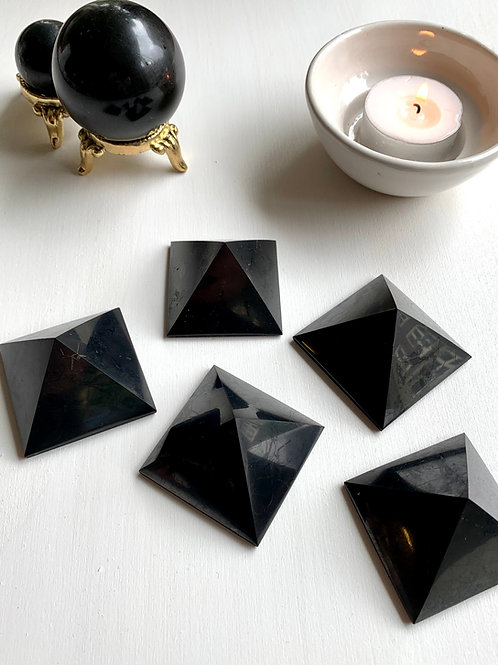 Shungite Pyramid (Protection)