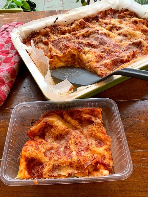 Lasagne tomato, mozzarella & basil