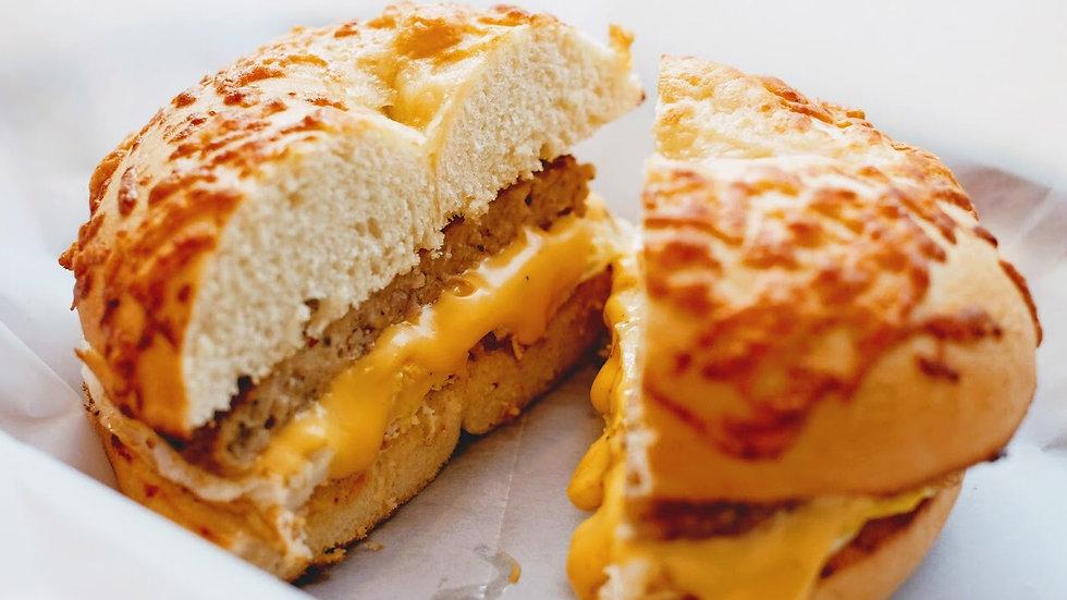 Sasage egg cheese bagel