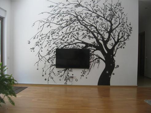 TV tree.jpg