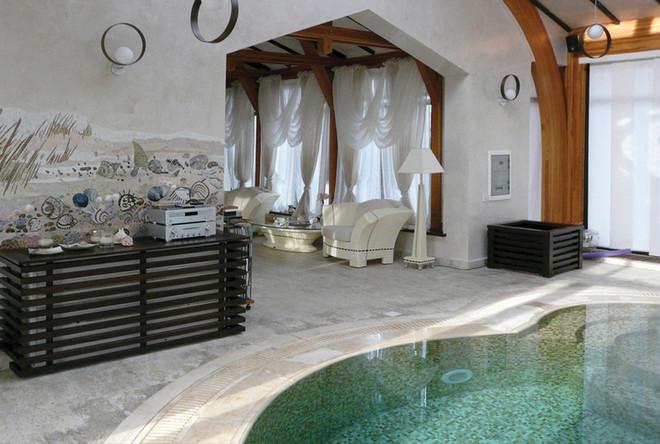 Mozaic piscina vila.jpg